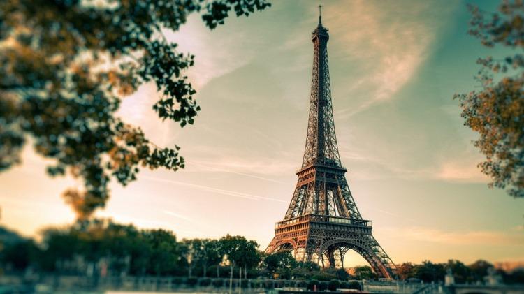 Paris, la capitale du massage masculin